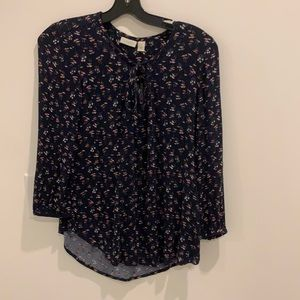 Printed Top with Keyhole neckline